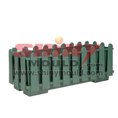 garden fence mould